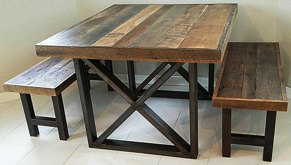 Mesa de hierro y madera